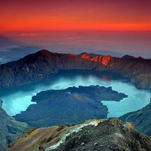 Mount Rinjani Trekking Tour for Singaporean and Malaysian