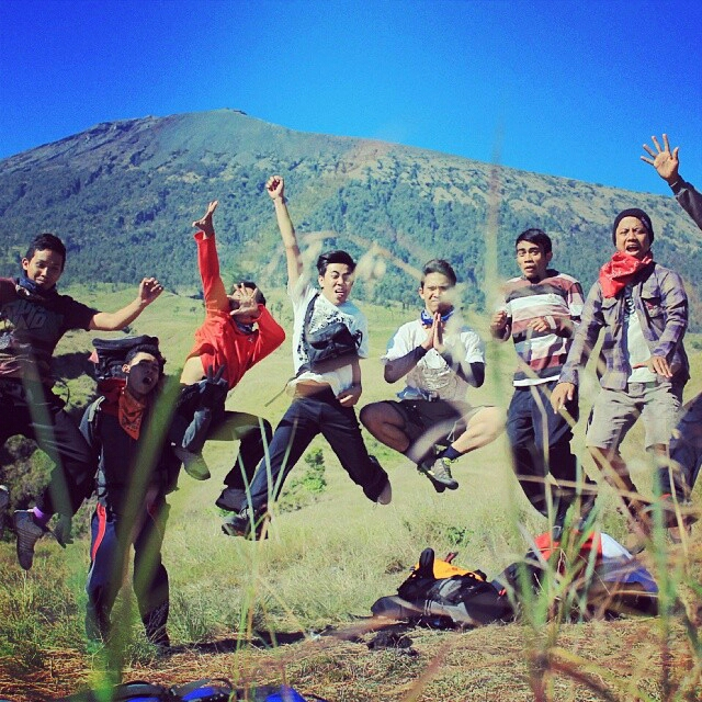 trekking rinjani guide and locall porter